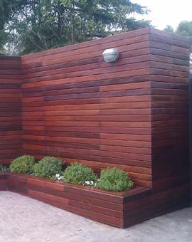 vertical y jardinera de ipe